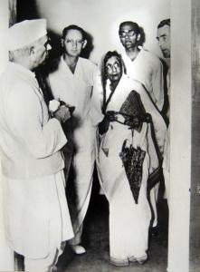 Otto Koenigsberger with Nehru, Amrit Kaur and Mountbatten