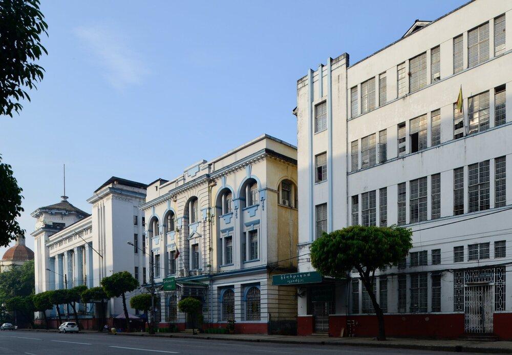 Pansodan Street, Yangon, including Chartered Bank, Palmer & Turner, 1939–41.